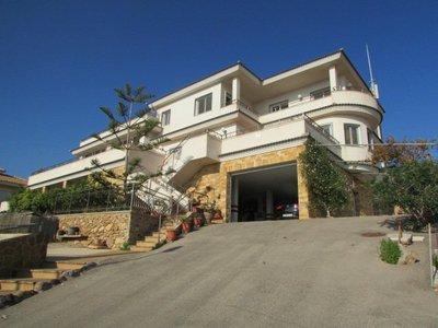 Ref:1572 Villa For Sale in Isla Plana