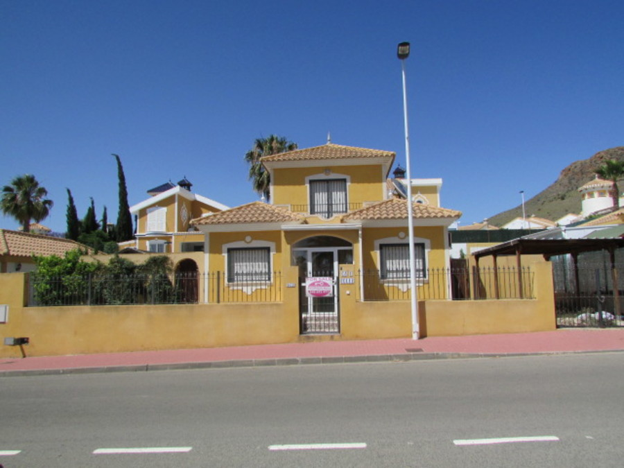 1404: Detached Villa for sale in Mazarron Country Club