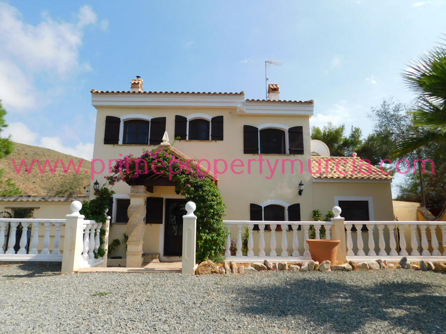 1439: Detached Villa for sale in Puerto de Mazarron
