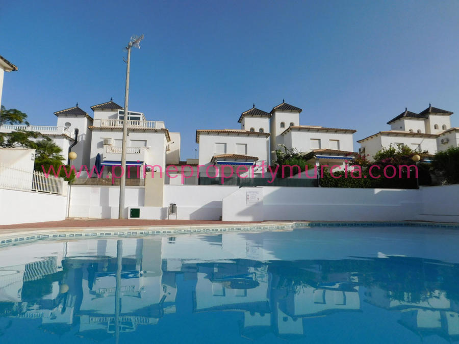 1651: Terraced House for sale in Isla Plana