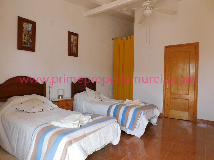 Fuente Alamo 7 Bedroom Country House