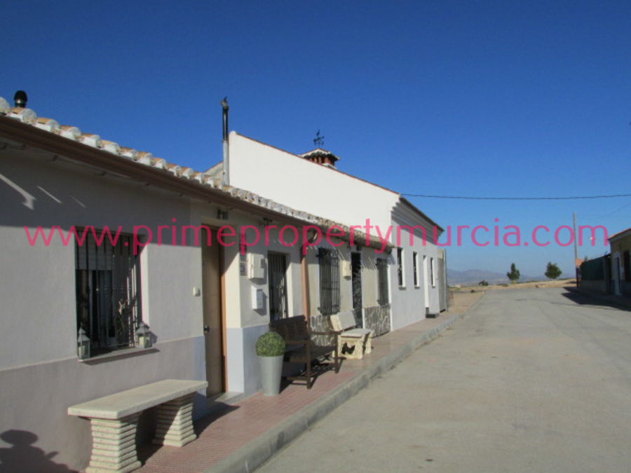 1683: Terraced House for sale in Totana