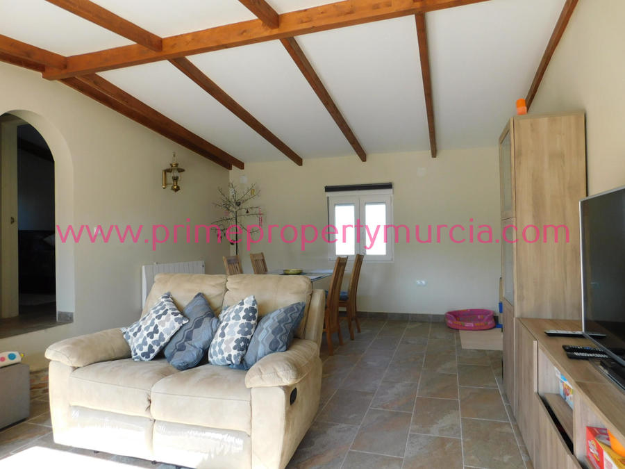 For sale 4 Bedroom Country House