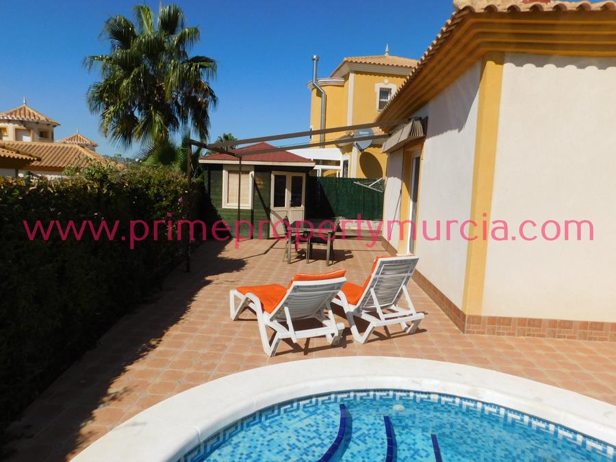 Detached Villa For sale 2 Bedroom